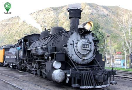 یکی از نمونههای اولین ماشین ، ماشین بخار است.